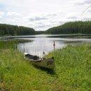Zwischen den Seen mussten wir das Kanu 10 bis 20 Meter tragen