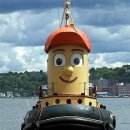 Boot fuer Hafenrundfahrten